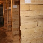 Теплые деревянные денники